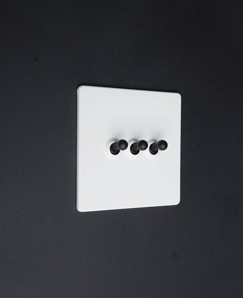white and black toggle light switch